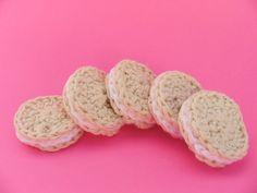 Oreos / Cyber Monday Sale / Kids Stocking Stuffers / Oreo Cookies / Christmas Ornaments / Play Food / Amigurumi Food / Crochet Food / Toys on Etsy, £4.91