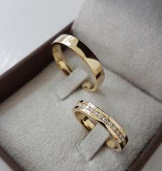 Classic Wedding Rings, Gold Wedding Rings, Wedding Ring Bands, Wedding Bands Couples, Engagement Rings Couple, Couple Rings, Gold Ring Designs, Wedding Ring Designs, Couple Ring Design