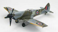 Hobby Master 1:48 Supermarine Spitfire Mk.XIV, MV293 as MV268, Duxford Flying Legends Air Show 2006