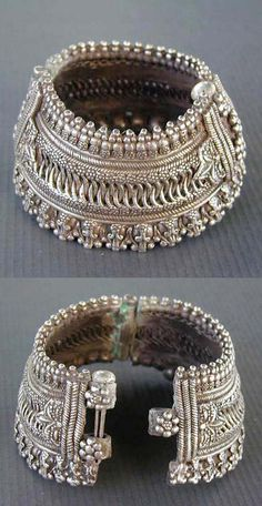 India | Old silver hinged anklet or bracelet probably from Maharashtra.