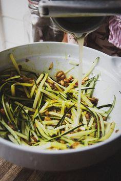 det bästa jag ätit som jag kommer att laga ofta hädan efter | Foodjunkie | Bloglovin' Veggie Recipes, Healthy Recipes, Food Lists, Lchf, Asparagus, Green Beans, Zucchini, Foodies, Good Food