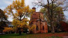 Heute ist auch das richtige Wetter,  ...  um mal wieder in den Mettlacher Abteipark zu gehen. Würde sicher auch den alten Turm freuen. :-)