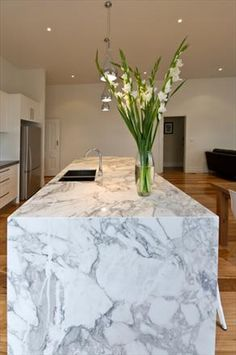 'Arabescato' Marble Island Bench - Mint Kitchens VIC : Residential Gallery : Gallery : Quantum Quartz, Natural Stone Australia, Kitchen Benchtops, Quartz Surfaces, Tiles, Granite, Marble, Bathroom, Design Renovation Ideas. WK Marble & Granite Pty Ltd Australia.