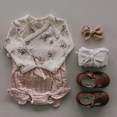 Oh my ovaries! This cute outfit online now 💕 Forever floral bodysuit + rose smoke muslin bloomer Little Girl Outfits, Baby Boy Outfits, Kids Outfits, Baby Girl Fashion, Kids Fashion, Cute Babies, Baby Kids, Summer Boy, Kid Outfits
