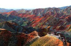 Las formaciones rocosas de Zhangye Danxia en China | 26 lugares reales que parecen sacados de cuentos de hadas