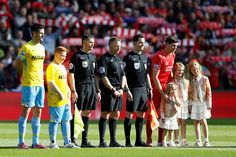 Gerrad Tribute in Anfield!' https://www.facebook.com/pages/Liverpool-Gamble/672182606221129