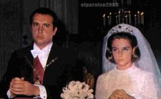 Prince Bagrat of Bagration-Moukhransky and Bavaria, great grandson of Alfonso XII, wed Carmen de Ulloa y Suelves on 12 November 1976, and a diamond and emerald floral tiara came into the family