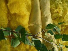 Wolle Natur Farben: Mit Birkenblättern gefärbt