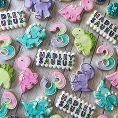 Girly dinosaur set! I can't wait to have a RAWR-tastic time celebrating Miss Hadley girls birthday today!! #cadiescookies #royalicing #dino…