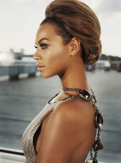 Beyonce with a classic updo #beyonce #hair
