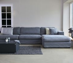 Love love the size of this couch! Looks big, comfy, and cozy!