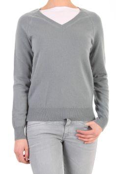 Deze pullover van Closed in Teal is gemaakt van cashmere. De pullover heeft een wijde v-hals en splitjes aan de zijkanten. C96157 99M 22 689 Pullover.