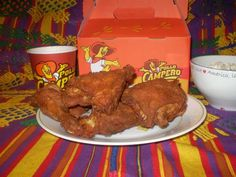 Pollo Campero chicken at the frount of Rogers Wal-Mart. Love the chicken, but don't care for their fixings I Love Food, Good Food, Yummy Food, Tasty, Pollo Campero Recipe, Guatemalan Recipes, Guatemalan Food, El Salvador Food, Salvadoran Food
