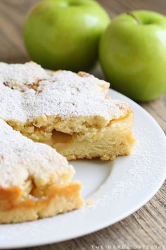 Irish apple cake - simple, sweet, and oh so delicious! Great dessert recipe to… Irish Desserts, Apple Desserts, Irish Recipes, Apple Recipes, Just Desserts, Apple Cakes, Mini Cakes, Cupcake Cakes, Cupcakes