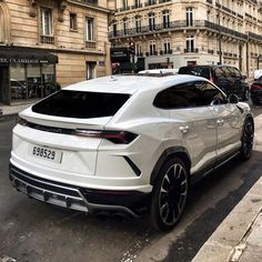 Lamborghini Urus 10 Basic Things Every Car Owner Should Know It's so easy to get a car these days. And it's rather easy to learn how to drive. Luxury Sports Cars, Best Luxury Cars, Luxury Suv, Sport Cars, Lamborghini Suv Urus, Custom Lamborghini, Maserati, Bugatti, Supercars