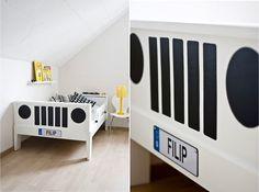 Jeep bed! Soooo cool.