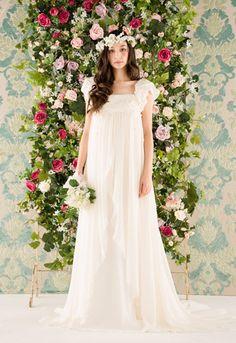 エンパイアライン / ウェディングドレス Dress Mania Naoco Mizutani (ドレスマニア ナオコ・ミズタニ)