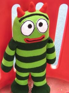 2000 Free Amigurumi Patterns: Free crochet pattern - Brobee