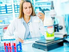 Woher weiß der Hersteller überhaupt, was Sie als fruchtig oder süß empfinden? Sensorische Produkteigenschaften lassen sich mit Prüfpersonen standardisieren.