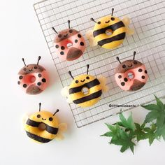 Bee & ladybug donuts by Little Miss Bento・Shirley シャリー ( Fancy Donuts, Cute Donuts, Donuts Donuts, Cute Desserts, Delicious Desserts, Homemade Baked Donuts, Donut Decorations, Bee Party, Donut Shop