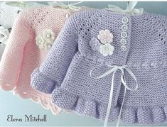 Knitting Pattern for Garter Stitch Baby JacketBaby cardigan knit in garter stitch with options for knit edging or crochet edging. Sizes 0 – 3 months and 3 – 6 months. Baby Cardigan, Baby Pullover, Crochet Cardigan, Knit Crochet, Crochet Hats, Booties Crochet, Crochet Ideas, Baby Knitting Patterns, Pattern Baby