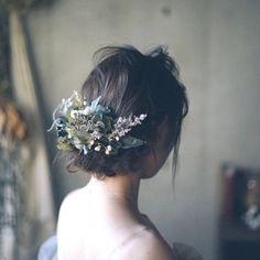 // くすみブルー×グリーンのアンティークあじさいのボタニカルヘッドドレス // おしゃれ結婚式のウェディング髪飾り Boho Wedding, Wedding Flowers, Wedding Dresses, Hear Style, Hair Arrange, Japanese Hairstyle, Hair Images, Bridal Hair Accessories, Wedding Hairstyles