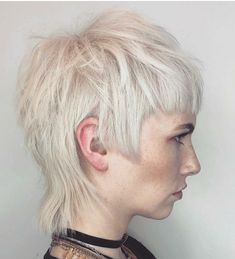 Today we have the most stylish 86 Cute Short Pixie Haircuts. Pixie haircut, of course, offers a lot of options for the hair of the ladies'… Continue Reading → Short Pixie Haircuts, Short Hair Cuts, Short Hair Styles, Mullet Hairstyle, Pelo Pixie, Hair Brained, Hair Affair, Grunge Hair, Great Hair