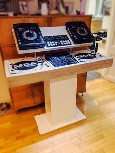 Dj House, House Music, Studio Spaces, Studio Room, Dj Setup, Professional Dj, Recording Studio Home, Custom Desk, Dj Booth