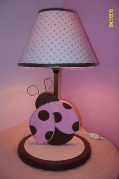 Based on Zola by KidsLine. Painting Lamps, Diy Painting, Giraffe Lamp, Baby Ladybug, Wood Crafts, Diy Crafts, Kids Lamps, Candlestick Lamps, Country Paintings