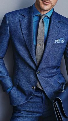 How to Wear a Blue Suit looks) Fashion Mode, Suit Fashion, Mens Fashion, Groom Fashion, Workwear Fashion, Fashion Trends, Fashion Blogs, Fashion Fall, Boy Fashion