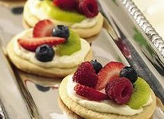 Mini Fruit Pizza Bar