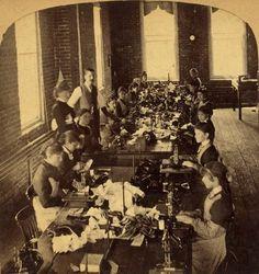 Costureiras em uma fábrica. Final da década de 1890.