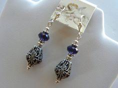 Lila Swarovski Ohrringe lila samt und filigrane von SereneGarlands