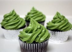 Chocolate Cupcakes with Matcha Cream Cheese Frosting