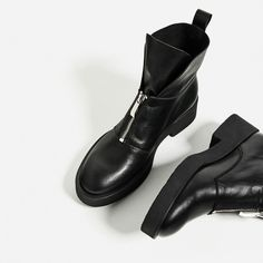 Image 1 of LEATHER ANKLE BOOTS WITH ZIP from Zara