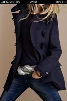 Burberry Regimental Wool Duffle Coat>>> another outfit I'd love to have. God, I love jackets/coats! Looks Street Style, Looks Style, Style Me, Mode Chic, Mode Style, Looks Jeans, Look Fashion, Womens Fashion, Fall Fashion