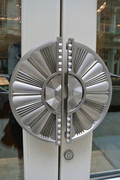 Deco door handles to a shop