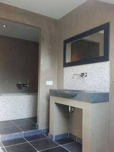 Gestucte badkamer afgewerkt met met Frescolori Puramente #sfeerhuysbudding #haardenhuysbudding #wieberdinkstukadoors #gestuctebadkamers  #badkamers #stukadoor #frescolori #frescoloripuramente