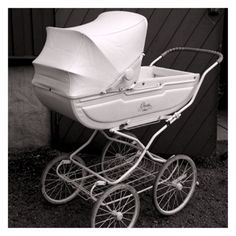 Pram Stroller, Baby Strollers, Vintage Pram, Prams And Pushchairs, Baby Equipment, Dolls Prams, Baby Buggy, Baby Prams, Vintage Nursery