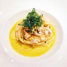 Diamo un po' di sprint a questo lunedì: spaghetti aglio (poco), olio e peperoncino con dadolata di ventresca di ricciola.