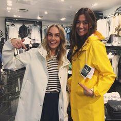 Stutterheim Baby Raincoat, Vinyl Raincoat, Pvc Raincoat, Yellow Raincoat, Rain Bonnet, Rubber Raincoats, Rainy Day Fashion, Yellow Coat, Coats
