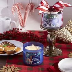 Gift Tip: For the girl who LOVES Sweater Weather! Pick our coziest Candle scents & add a Pedestal to make the perfect cuddly pair! Perfect Christmas Gifts, Merry Christmas, Body Works, It Works, Comfort And Joy, Bath And Bodyworks, Hostess Gifts, Sweater Weather, Scented Candles
