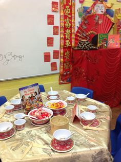 We changed the dough table for Chinese New Year. pretend food to practise eating with chopsticks . then real noodles . Chinese New Year Activities, New Years Activities, Activities For Kids, Diwali Activities, Preschool Set Up, Preschool Ideas, Kids Kitchen Accessories, Chinese Christmas, Pretend Food