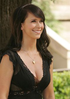 """Jennifer Love Hewitt. Love her eyes. Love her smile. Love her Ghost-Whisperer style. (See what I did there? ...""""Love"""")"""