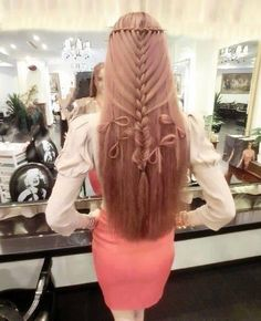 Long long hair. Oh wow I wish someone would do this for me.
