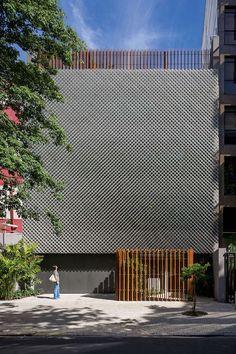 Arquitectura y Diseno Celosias10. [10] Un metal aireado