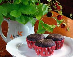 I bake over and over again gluten-free, sugar-free low-carb chocolate mini muffins based on this recipe which I have developed. Chocolate Peanut Butter Cupcakes, Low Carb Chocolate, Chocolate Muffins, Gluten Free Chocolate, Chocolate Cake, Dairy Free Muffins, Gluten Free Cupcakes, Baking Cupcakes, Lowest Carb Bread Recipe