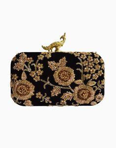 Embroidery Purse, Vintage Purses, Vintage Handbags, Bridal Clutch, Popular Handbags, Black Clutch, Luxury Bags, Clutch Wallet, Purses And Handbags
