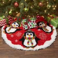 Terrific Totally Free Latch Hook bag Tips Latch hook is actually an enjoyable, effortless create that lets you make photos and by knotting ite Latch Hook Rug Kits, Yarn Shop, Rug Hooking, Xmas Tree, Tree Skirts, Diy Design, Projects To Try, Diy Crafts, Crafty