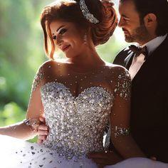 2015 Vintage Wedding Dress Long Sleeve Vestido de Noiva Rhinestone Pearls Ball Gown Bridal Dresses Robe de Mariage Tulle W4216